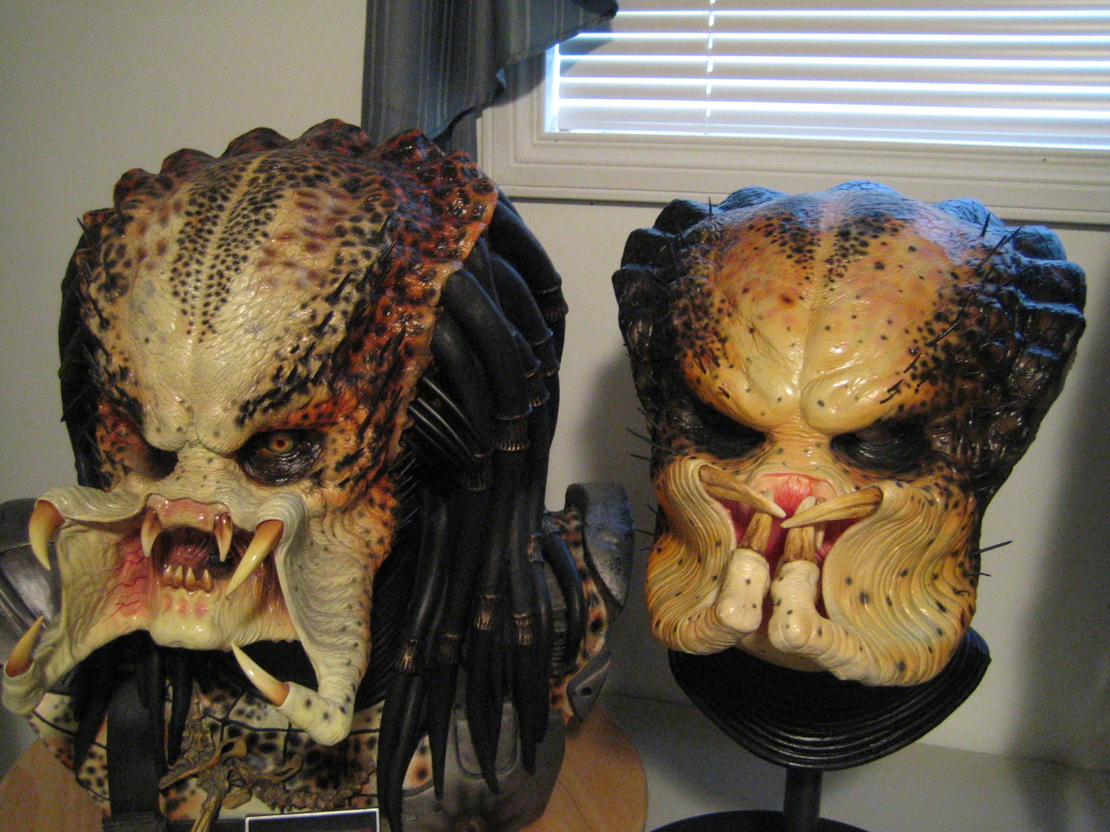 Facehugger mask 1 style mask second